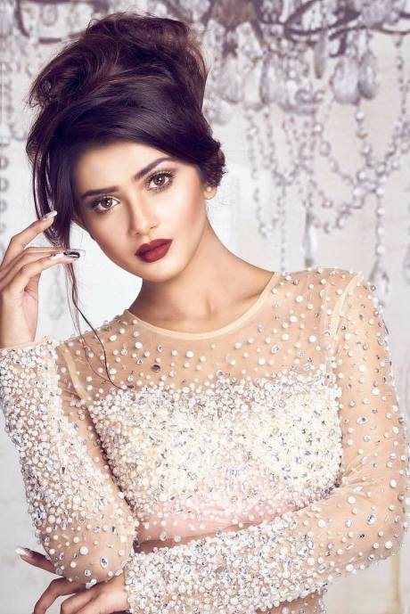bangladeshi-model-tanjin-tisha-photos-videos-10