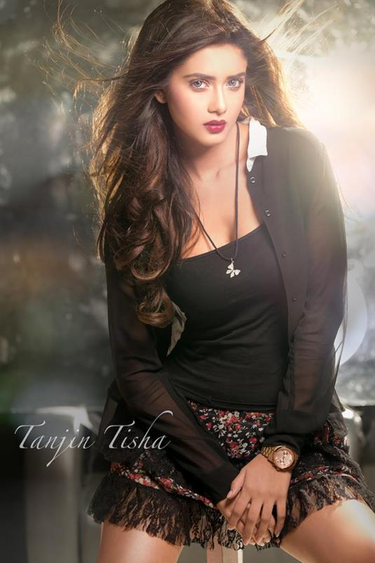 bangladeshi-model-tanjin-tisha-photos-videos-3
