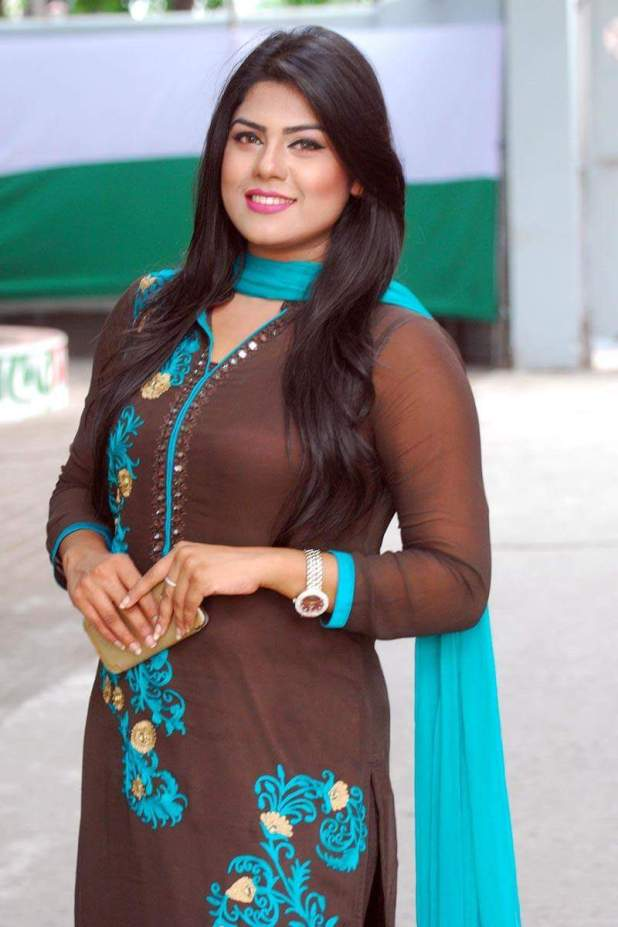 shanta-jahan-bangladeshi-hot-model-tv-actress-photos-4