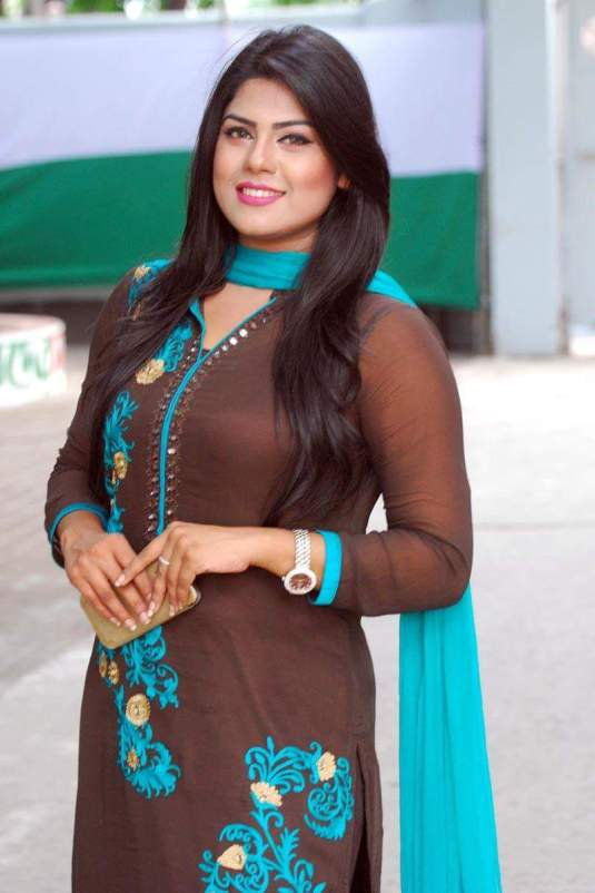 shanta-jahan-bangladeshi-hot-model-tv-actress-photos-4