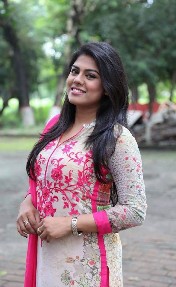 shanta-jahan-bangladeshi-hot-model-tv-actress-photos-6