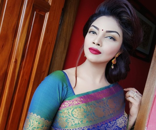 Bangladeshi Beautiful News Presenter Safina Ahmed Tory Photos (10)