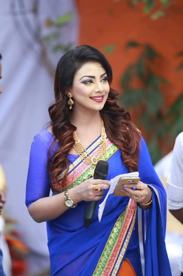 Bangladeshi Beautiful News Presenter Safina Ahmed Tory Photos (12)