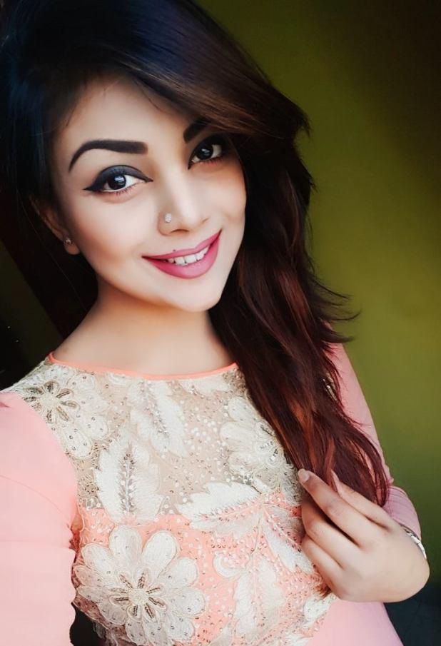 Bangladeshi Beautiful News Presenter Safina Ahmed Tory Photos (13)