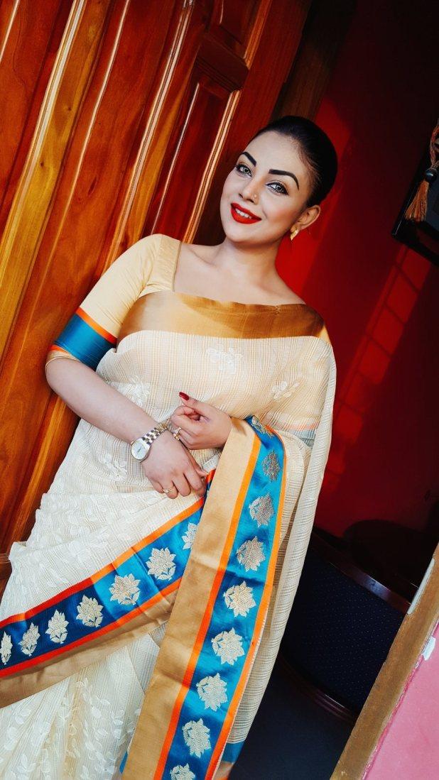 Bangladeshi Beautiful News Presenter Safina Ahmed Tory Photos (18)