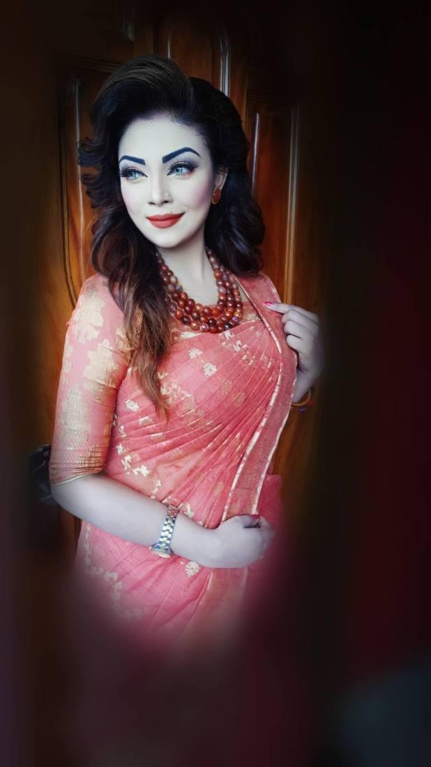 Bangladeshi Beautiful News Presenter Safina Ahmed Tory Photos (24)