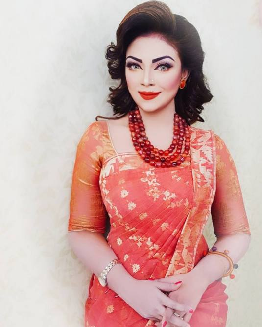 Bangladeshi Beautiful News Presenter Safina Ahmed Tory Photos (25)