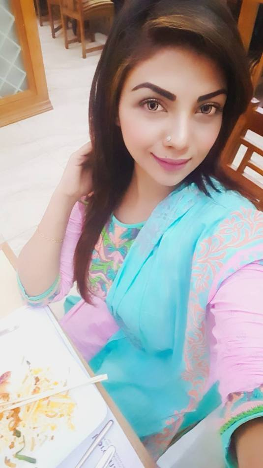 Bangladeshi Beautiful News Presenter Safina Ahmed Tory Photos (30)