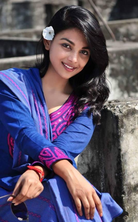 Bangladeshi Beautiful News Presenter Safina Ahmed Tory Photos (32)