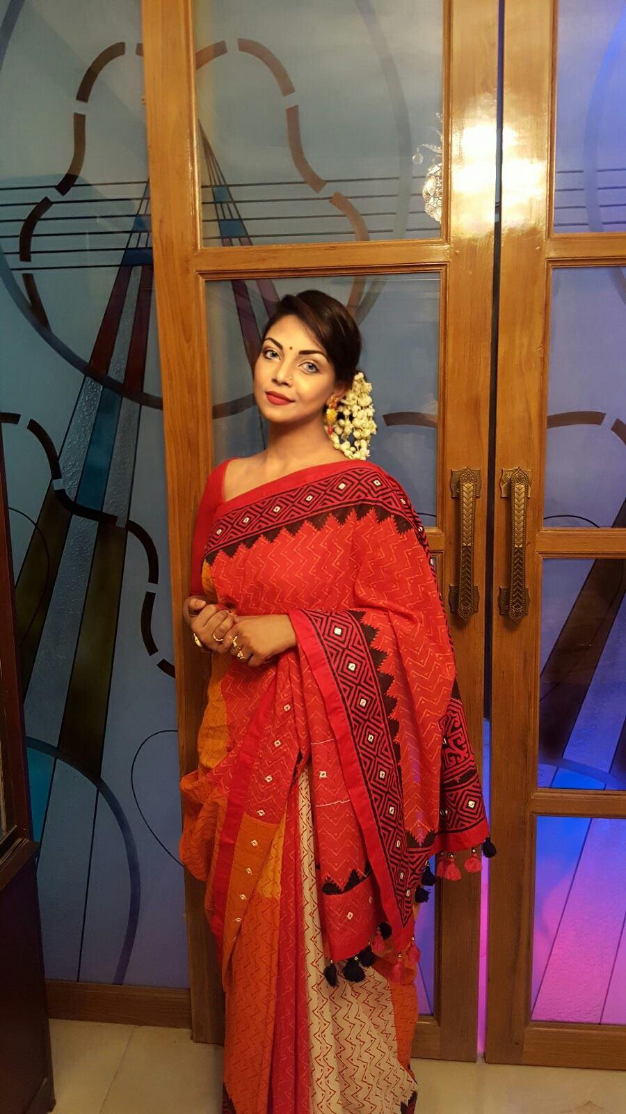 Bangladeshi Beautiful News Presenter Safina Ahmed Tory Photos (4)