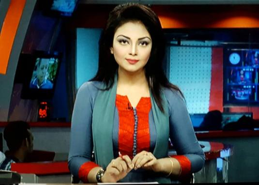 Bangladeshi Beautiful News Presenter Safina Ahmed Tory Photos (6)
