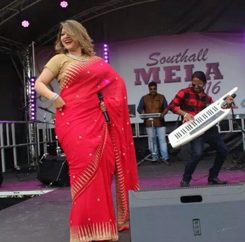 Bangladeshi Singer Actress Akhi Alamgir HD Photos Download (1)