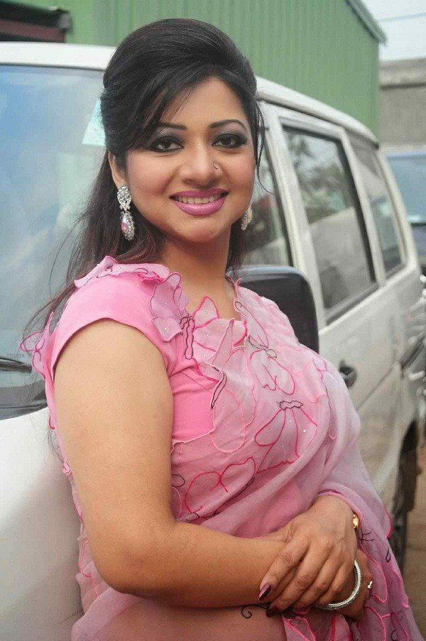 Bangladeshi Singer Actress Akhi Alamgir HD Photos Download (10)