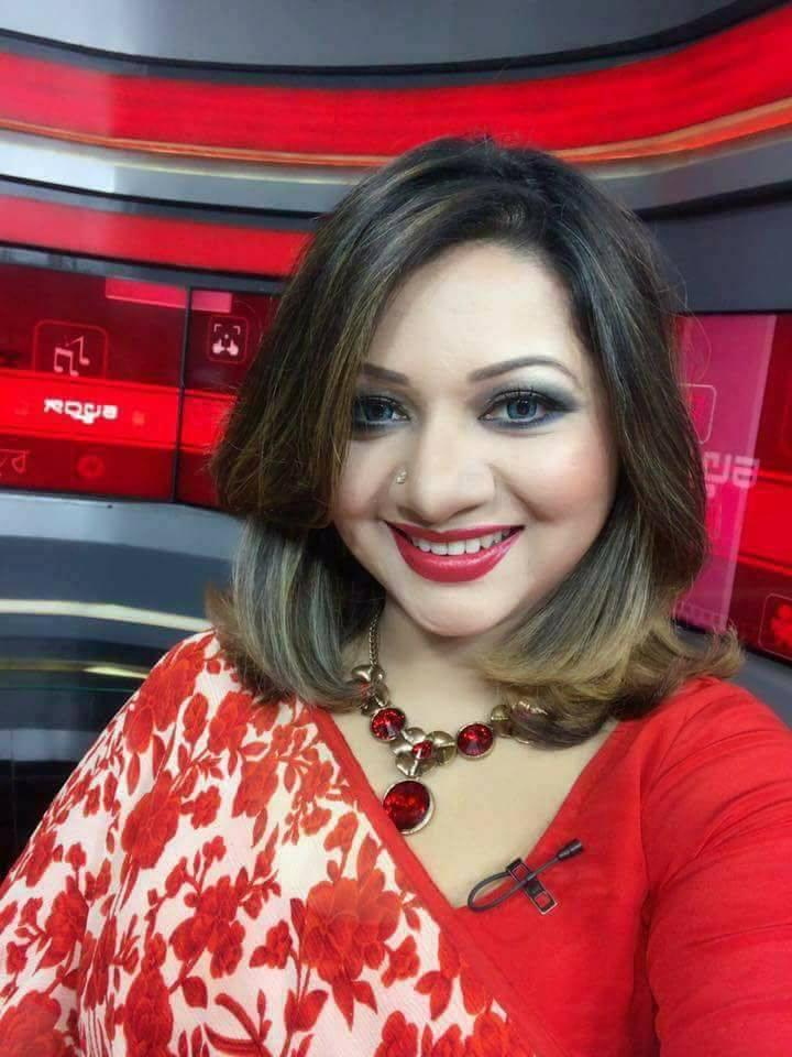 Bangladeshi Singer Actress Akhi Alamgir HD Photos Download (11)