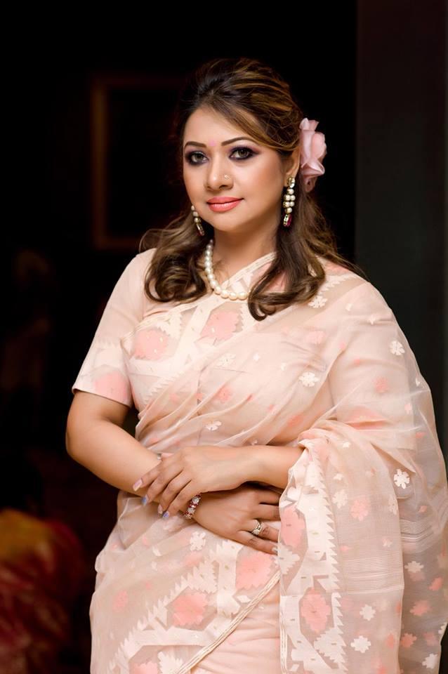 Bangladeshi Singer Actress Akhi Alamgir HD Photos Download (12)