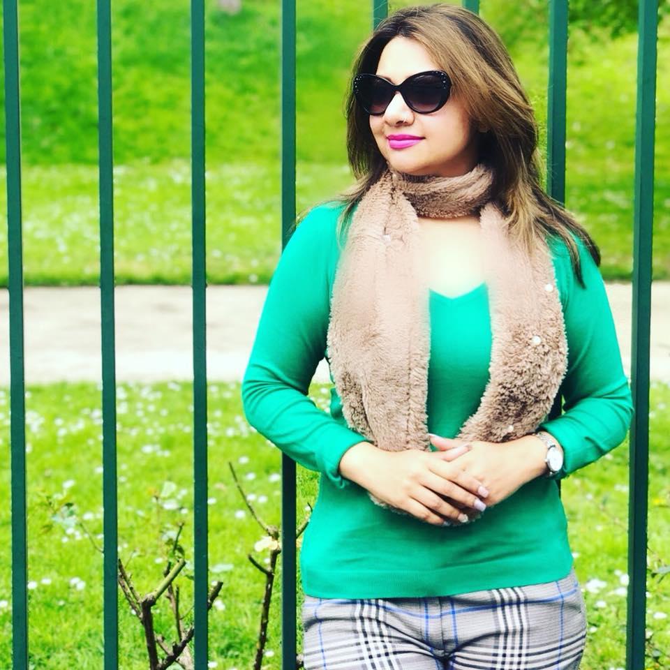 Bangladeshi Singer Actress Akhi Alamgir HD Photos Download (13)