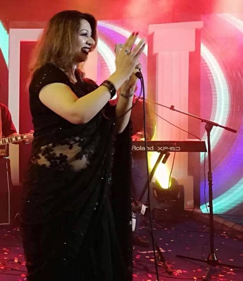Bangladeshi Singer Actress Akhi Alamgir HD Photos Download (20)