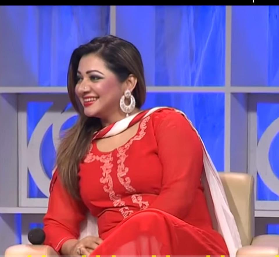 Bangladeshi Singer Actress Akhi Alamgir HD Photos Download (24)