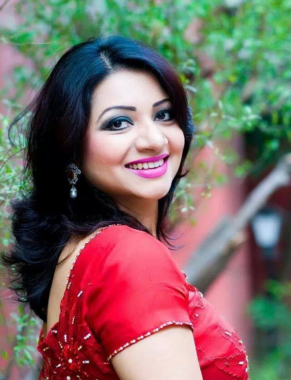 Bangladeshi Singer Actress Akhi Alamgir HD Photos Download (26)
