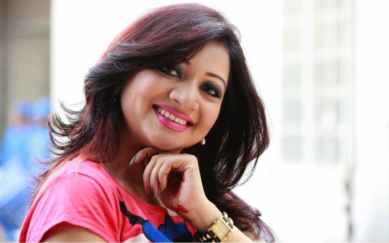 Bangladeshi Singer Actress Akhi Alamgir HD Photos Download (29)