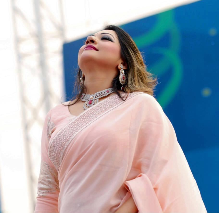 Bangladeshi Singer Actress Akhi Alamgir HD Photos Download (3)