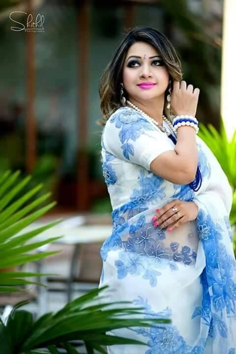 Bangladeshi Singer Actress Akhi Alamgir HD Photos Download (5)