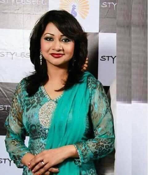 Bangladeshi Singer Actress Akhi Alamgir HD Photos Download (6)