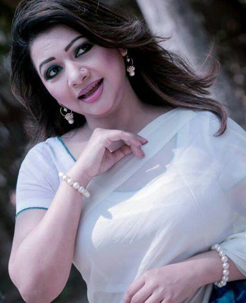 Bangladeshi Singer Actress Akhi Alamgir HD Photos Download (7)