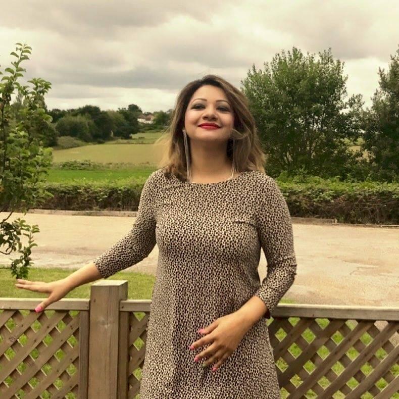 Bangladeshi Singer Actress Akhi Alamgir HD Photos Download (8)